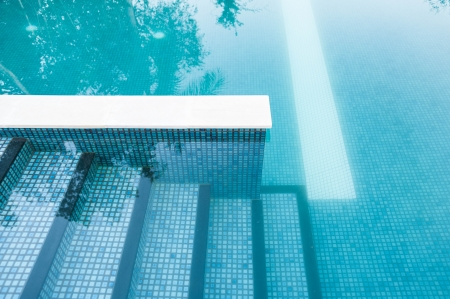 תחזוקת בריכות שחייה
